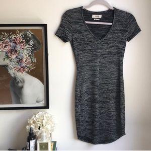 Aritzia Dresses - NWOT Aritzia Golden TNA grey v-neck dress